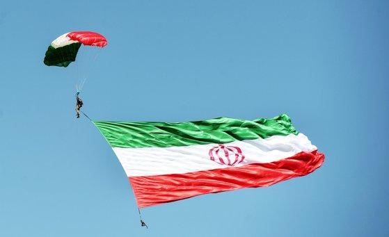 Imaginea articolului Gardienii Revoluţiei din Iran susţin că au doborât o dronă americană de spionaj