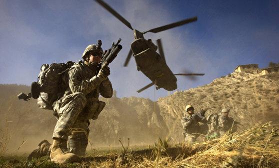 Imaginea articolului Mike Pompeo a efectuat o vizită surpriză în Afganistan pentru a discuta despre pace