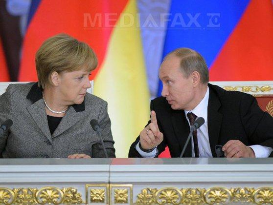 Imaginea articolului Vladimir Putin, într-un interviu pentru Financial Times: Valorile liberale sunt învechite/ Ce greşeală majoră îi impută Angelei Merkel