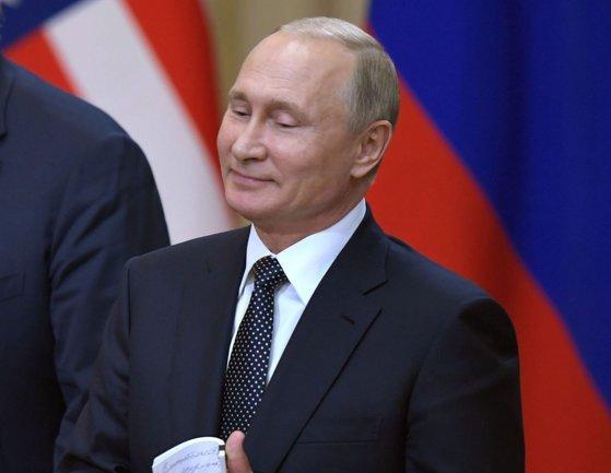 Imaginea articolului Donald Tusk, replică DURĂ pentru Vladimir Putin: Nu valorile liberale sunt învechite, ci cultul personalităţii