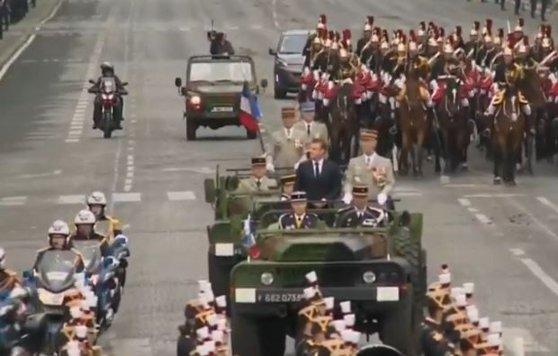 Imaginea articolului Incident la parada militară de Ziua Franţei. Emmanuel Macron a fost fluierat şi huiduit, pe Champs-Élysées | VIDEO