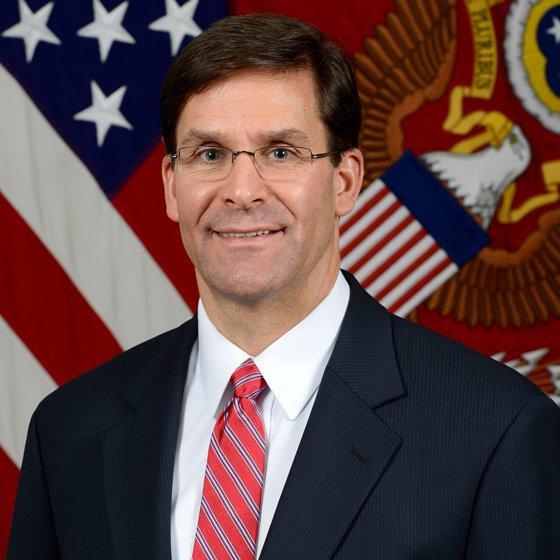 Imaginea articolului Mark Esper a fost nominalizat oficial pentru funcţia de secretar al Apărării de Casa Albă
