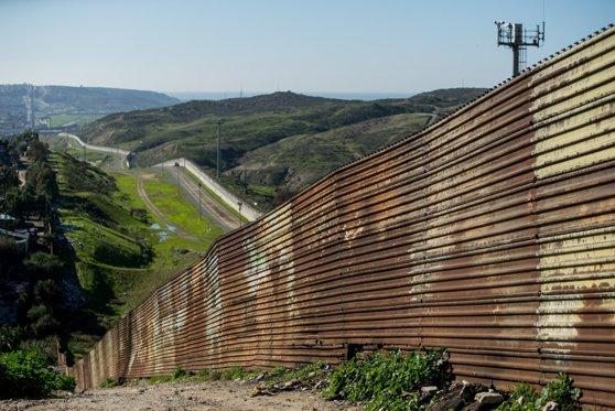 Imaginea articolului Pentagonul va trimite 2.100 de militari la graniţa dintre Statele Unite şi Mexic