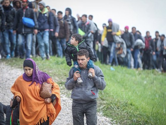 Imaginea articolului Peste 30 de imigranţi afgani au fost răniţi într-un accident rutier care a avut loc în Macedonia de Nord