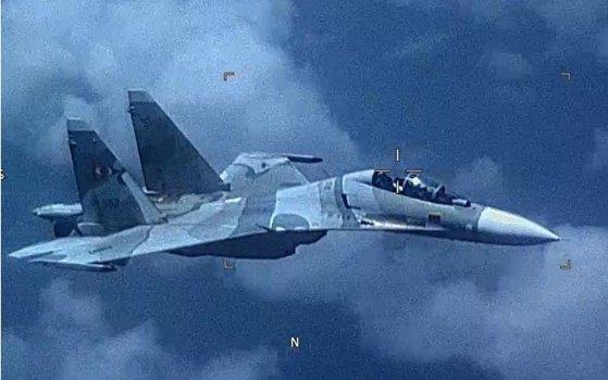 Imaginea articolului SUA susţin că un avion de vânătoare din Venezuela a urmărit în mod agresiv o aeronavă americană de recunoaştere | FOTO VIDEO