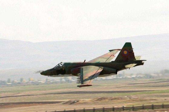 Imaginea articolului Avion militar PRĂBUŞIT în Pakistan: Toţi membrii echipajului şi 12 civili au murit | VIDEO