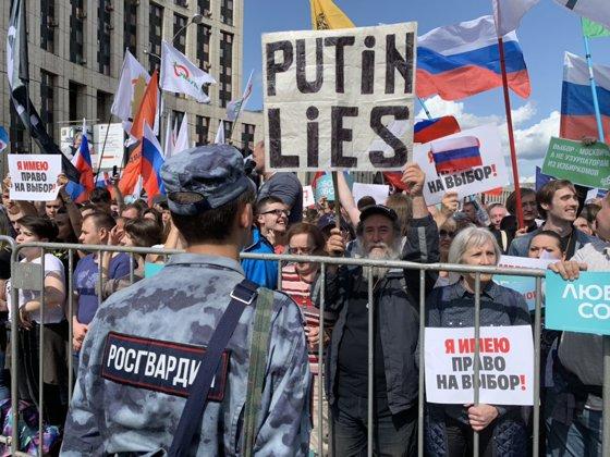 Imaginea articolului Sute de mii de persoane au participat sâmbătă la protestele de la Moscova
