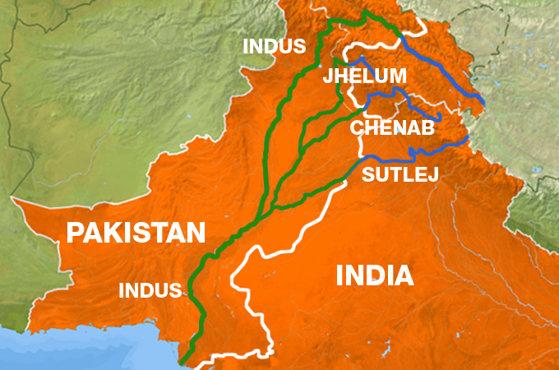 Imaginea articolului Sute de persoane au protestat în Kashmir faţă de revocarea statutului special al regiunii