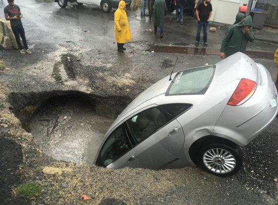 Imaginea articolului Inundaţii masive în Istanbul: Centrul istoric al oraşului turc, afectat de ploile torenţiale/ Cel puţin o persoană a murit | FOTO, VIDEO