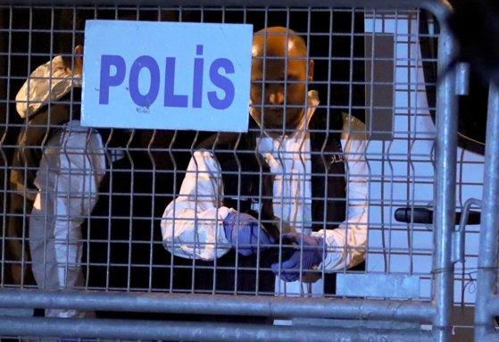 Imaginea articolului Operaţiune de amploare în Turcia. Poliţia a arestat luni peste 400 de persoane. Trei primari kurzi, eliberaţi din funcţii