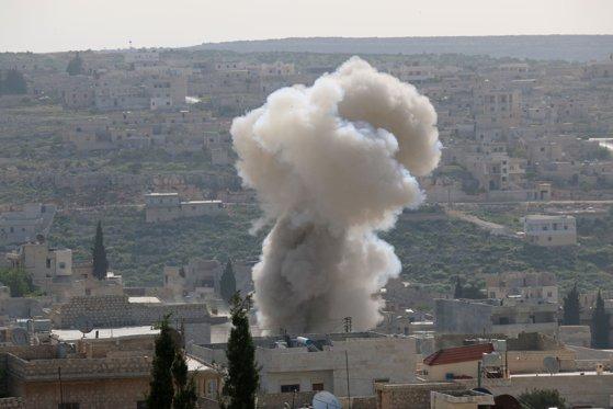 Cel puţin trei morţi, după ce aviaţia siriană a bombardat un convoi turc în nord-vestul Siriei