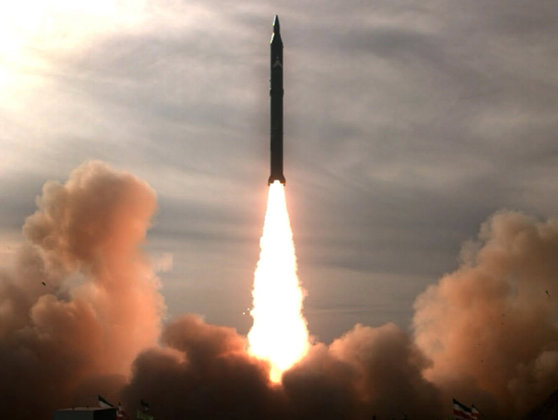 """Imaginea articolului Coreea de Nord avertizează că testul cu o rachetă medie efectuat recent de SUA ar putea """"declanşa un nou război rece"""" în regiune"""
