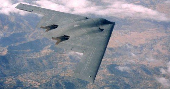 Imaginea articolului MONITORUL APĂRĂRII   Statele Unite au trimis bombardiere strategice B-2, invizibile pe radare, la o bază aeriană din Marea Britanie