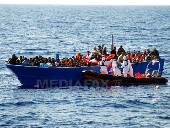 Imaginea articolului Cel puţin 40 de persoane au murit după scufundarea unei ambarcaţiuni cu migranţi în largul Libiei