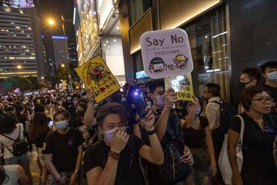 Imaginea articolului Autorităţile au tras focuri de avertisment pentru protestatarii din Hong Kong