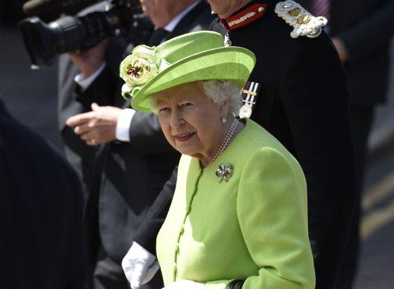 Tensiuni între Palatul Buckingham şi un fost premier britanic, după mai multe declaraţii referitoare la regina Elizabeth a II-a