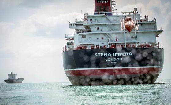 Imaginea articolului Petrolierului britanic Stena Impero, capturat în Golful Persic, eliberat după două luni