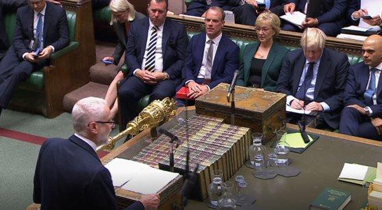 """Imaginea articolului """"Război"""" total între Guvern şi Parlament în Marea Britanie. Opoziţia britanică pregăteşte o altă cale de atac la adresa cabinetului Johnson"""