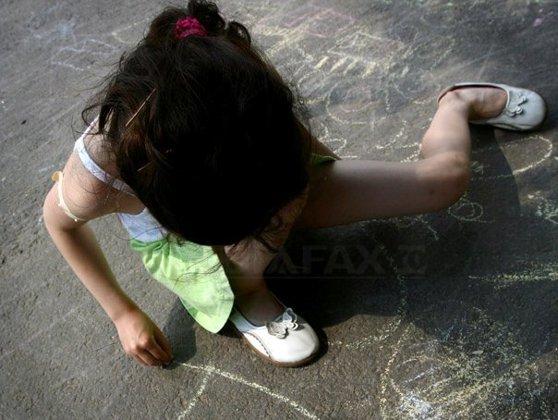 Imaginea articolului The New York Times: Internetul este invadat cu imagini ce prezintă abuzuri sexuale asupra copiilor