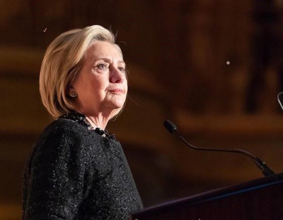 """Imaginea articolului Posibilă """"diversiune"""" în plin scandal la Casa Albă: Administraţia Trump a reluat ancheta privind e-mailurile fostului secretar de stat Hillary Clinton"""