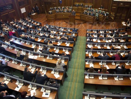 Imaginea articolului Partidele de opoziţie au ieşit câştigătoare în scrutinul legislativ din Kosovo, arată sondajele efectuate la ieşirea de la urne