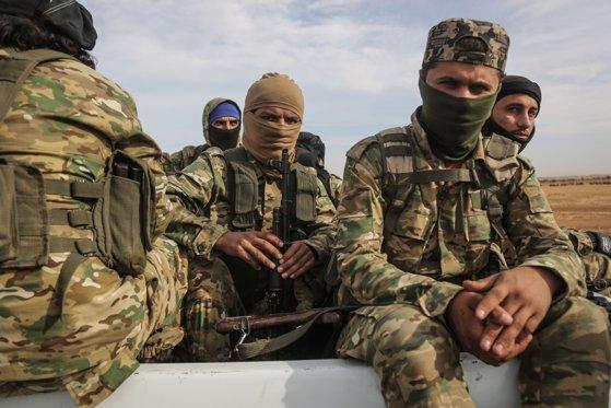 Imaginea articolului Criza din Siria: Armata siriană a început mobilizarea trupelor la graniţa cu Turcia