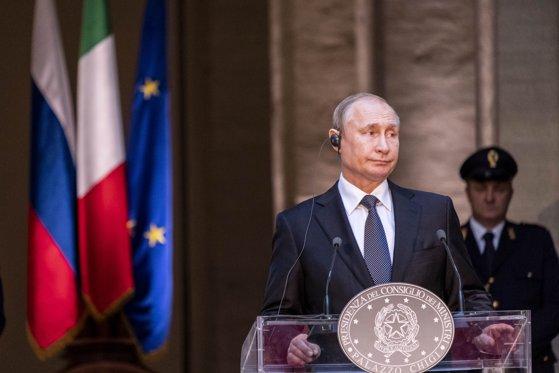 """Imaginea articolului Noi informaţii ies la iveală din profilul de agent KGB a lui Vladimir Putin: """"Prompt, disciplinat şi conştiincios"""""""