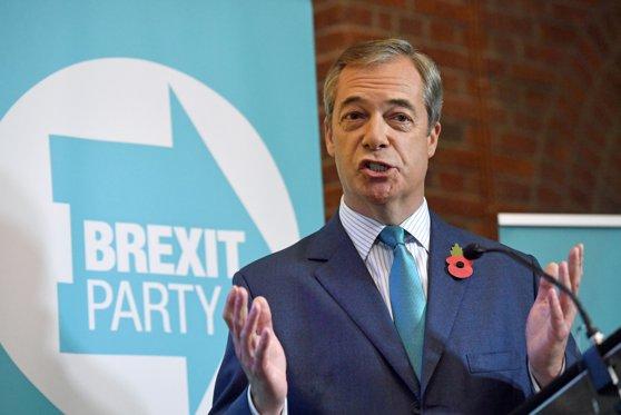 Imaginea articolului Nigel Farage, liderul Partidului Brexit, anunţă că nu va candida la alegerile parlamentare anticipate din Marea Britanie