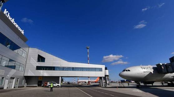 Imaginea articolului Incident pe un aeroport din Orientul Îndepărtat rus: Motorul unui avion de pasageri a luat foc, în timp ce se pregătea să decoleze
