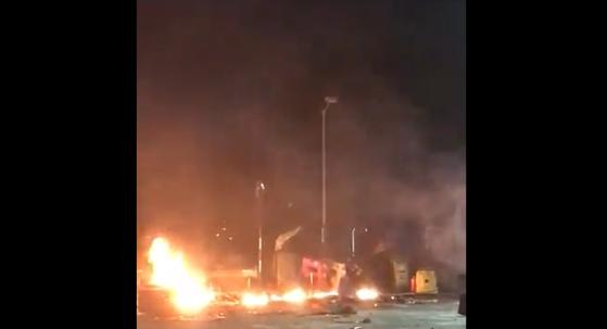 Imaginea articolului VIDEO| Arsenalul descoperit de poliţie într-un campus universitar din Hong Kong