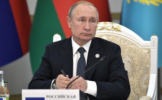 Imaginea articolului Putin a promulgat o lege ce permite catalogarea persoanelor fizice drept agenţi străini. Pe cine ar viza de fapt măsura