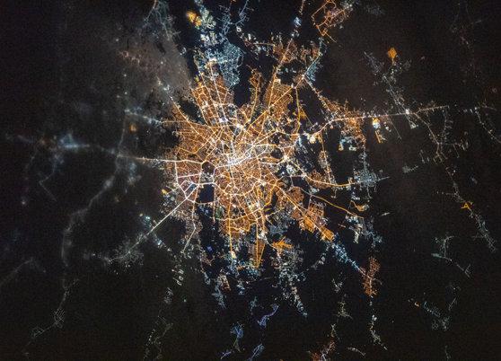 Cum arată Bucureştiul văzut de pe Staţia Spaţială Internaţională. Imaginea publicată de NASA