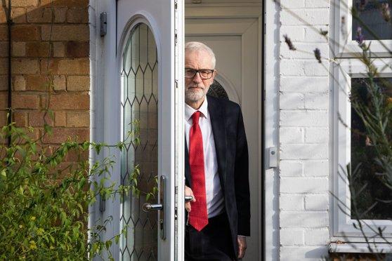 Imaginea articolului Alegeri în Marea Britanie. Jeremy Corbyn a anunţat că va demisiona din funcţia de lider al Partidului Laburist