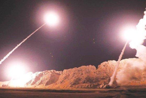 """Imaginea articolului Televiziunea iraniană anunţă că 80 de """"terorişti americani"""" au fost ucişi în atacurile cu rachete"""