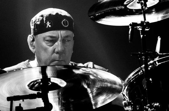 Imaginea articolului Bateristul Neil Peart, membru al trupei Rush, a murit la vârsta de 67 de ani