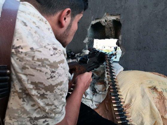 Imaginea articolului Războiul din Libia. Forţele loiale lui Haftar anunţă încetarea focului, Guvernul este de acord cu armistiţiul
