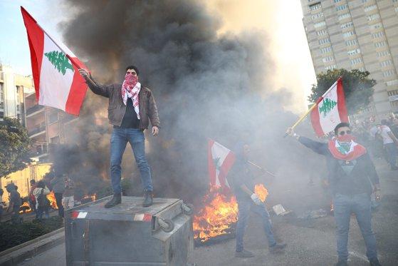 Imaginea articolului Proteste în Liban: Poliţia a folosit gaze lacrimogene şi focuri de avertisment împotriva manifestanţilor. Mai multe persoane, la spital