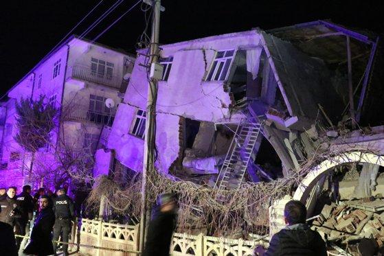 Imaginea articolului Bilanţul cutremurului din Turcia, cu magnitudinea 6,8, a ajuns la 29 de morţi