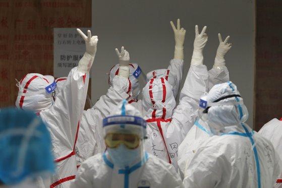 Imaginea articolului Un miliard de persoane sunt izolate la domiciliu pe glob ca urmare a pandemiei de coronavirus. Numărul este greu de crezut şi fără precedent