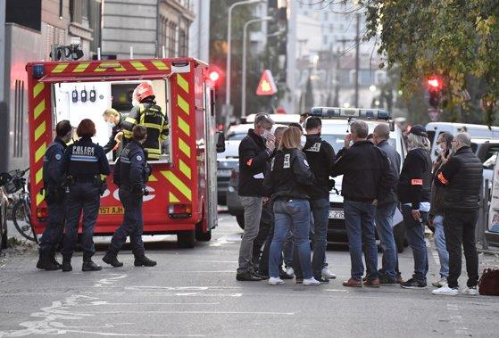 Imaginea articolului Un nou atac în Franţa. Preot ortodox rănit grav, după ce a fost împuşcat într-o biserică din Lyon/ Preşedintele Marcon, mesaj în limba arabă/ UPDATE: Suspect arestat