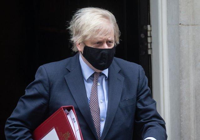 Boris Johnson pare să minimizeze avertismentele UE şi ale unor grupuri paramilitare nord-irlandeze |EpicNews