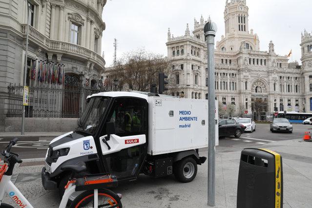 Grija pentru mediu şi cetăţean, dusă la un alt nivel. Un oraş din Spania are coşuri de gunoi cu senzori|EpicNews