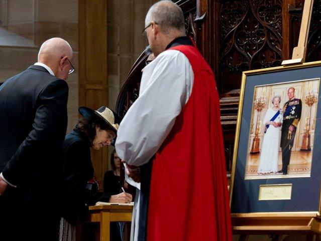 Familia Regală a împărtăşit publicului detaliile slujbei de înmormântare a Prinţului Philip|EpicNews