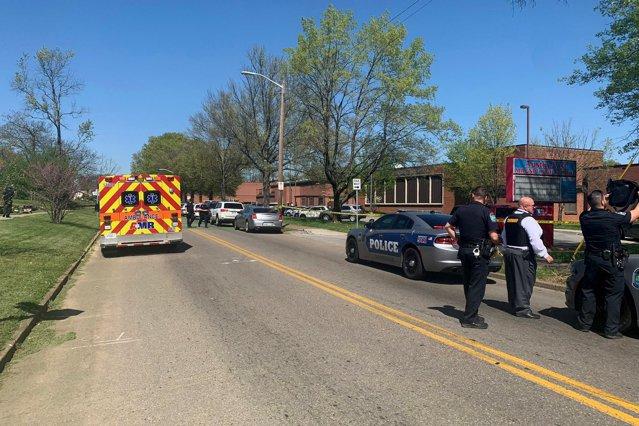 Cel puţin un mort şi mai mulţi răniţi în urma unui incident armat produs într-un liceu din SUA|EpicNews