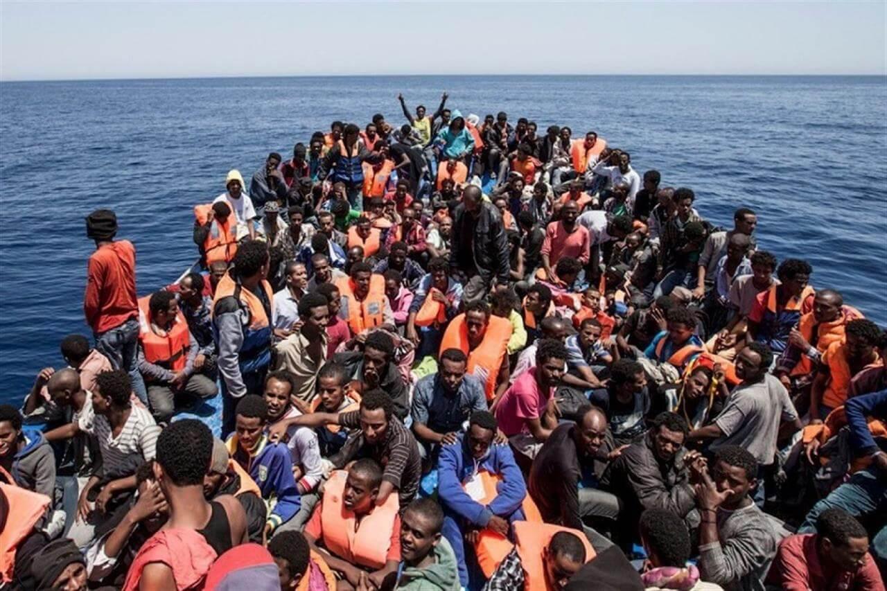 Italienii dau alarma: 70.000 de libieni, gata să invadeze Europa. România, printre ţările dispuse să preia(...)