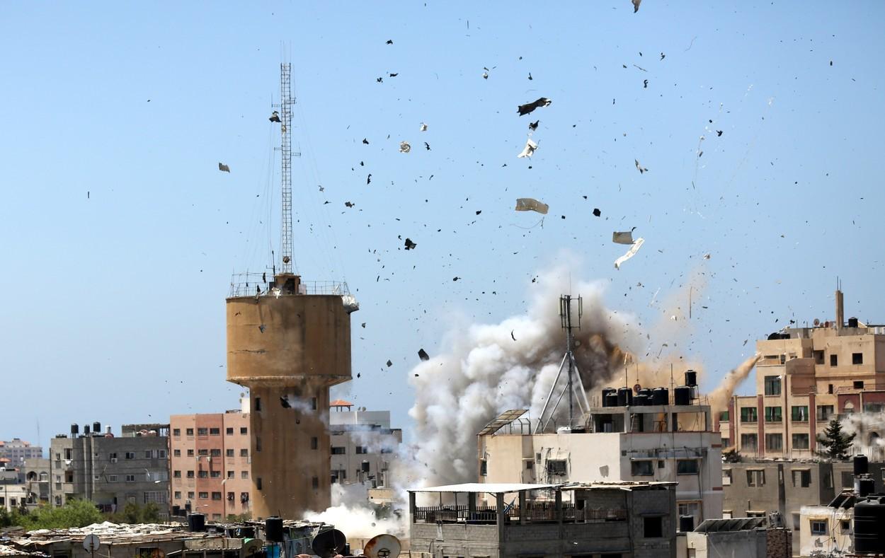 Israelul a atacat o unitate de informaţii a Hamas şi casele unor lideri islamişti