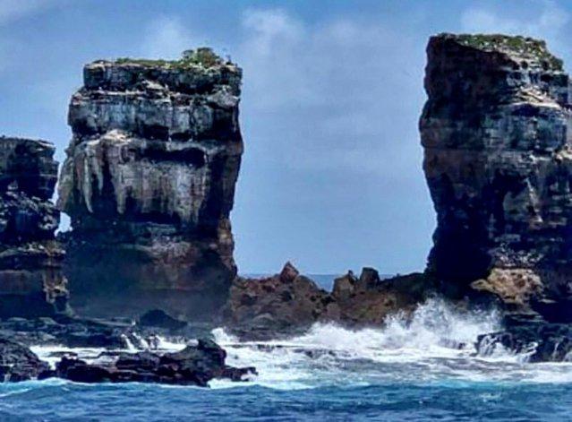 Celebra formaţiune de piatră Arcul lui Darwin s-a prăbuşit. Leonardo DiCaprio donează pentru restaurarea monumentelor naturale din Insulele Galapagos|EpicNews