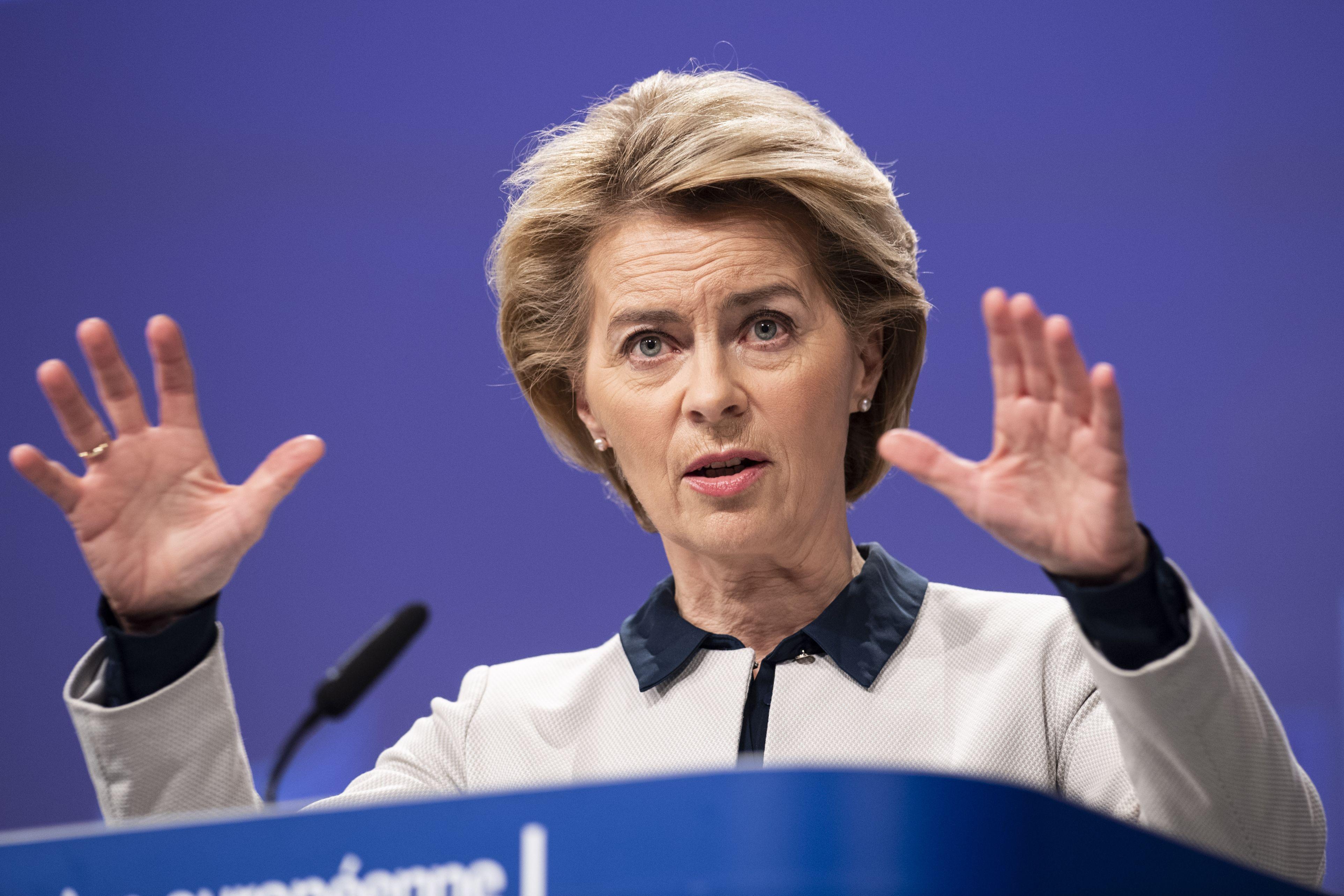 """UE este """"foarte îngrijorată"""" de legea anti-LGBT promovată de Ungaria"""