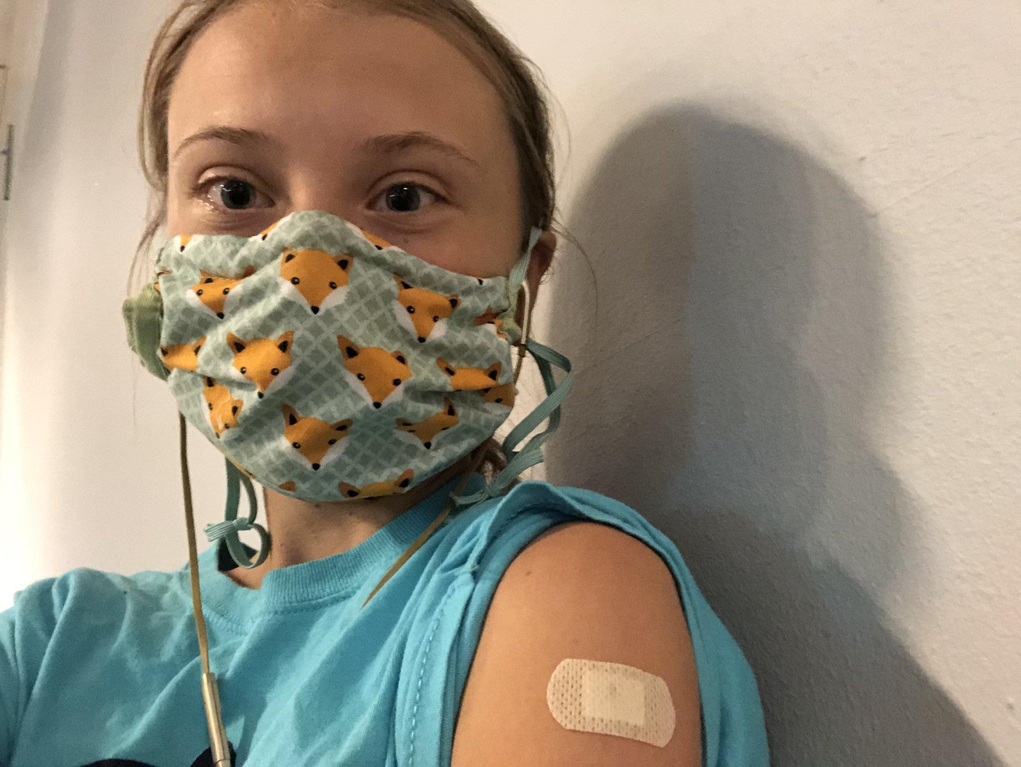 """Greta Thunberg s-a vaccinat anti-COVID: """"Când ţi se oferă un vaccin, nu ezita. Salvează vieţi"""""""