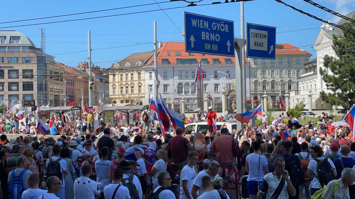 Noi proteste în capitala Slovaciei faţă de măsurile antiepidemice